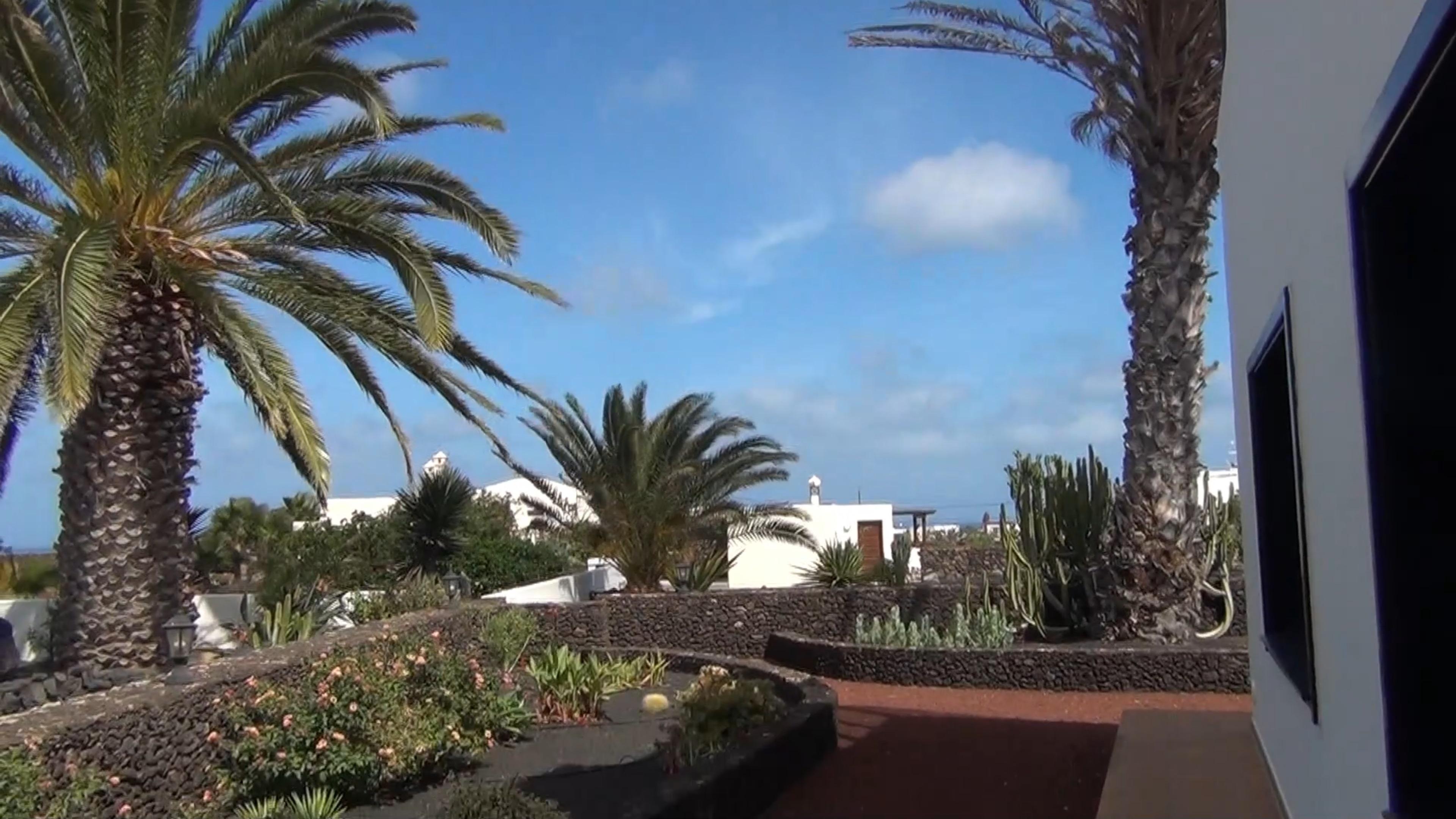 YouTube 160926 Gardens in Mala