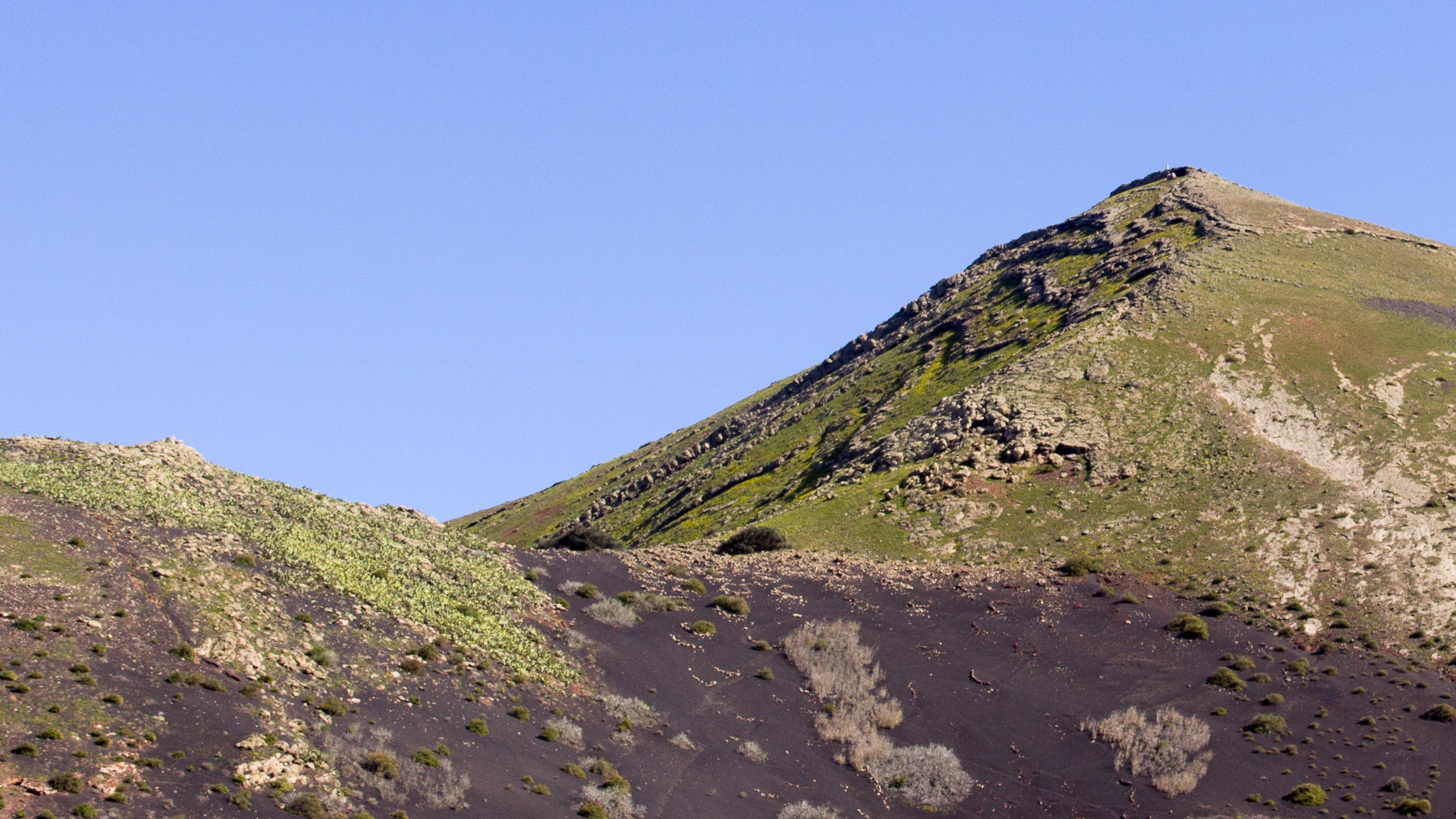 YouTube Whitewall Lanzarote Lava Huegel und Vulkane 06 Juni