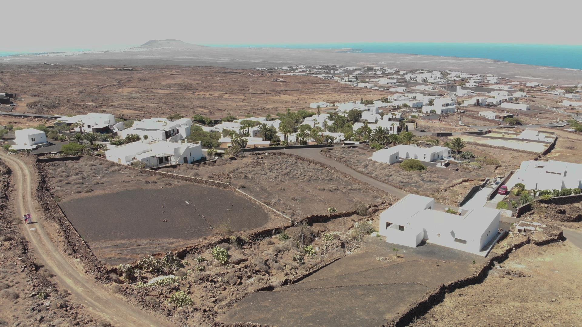 YouTube 190915 Las Breñas 2 aerial views around the plot 0223 0225