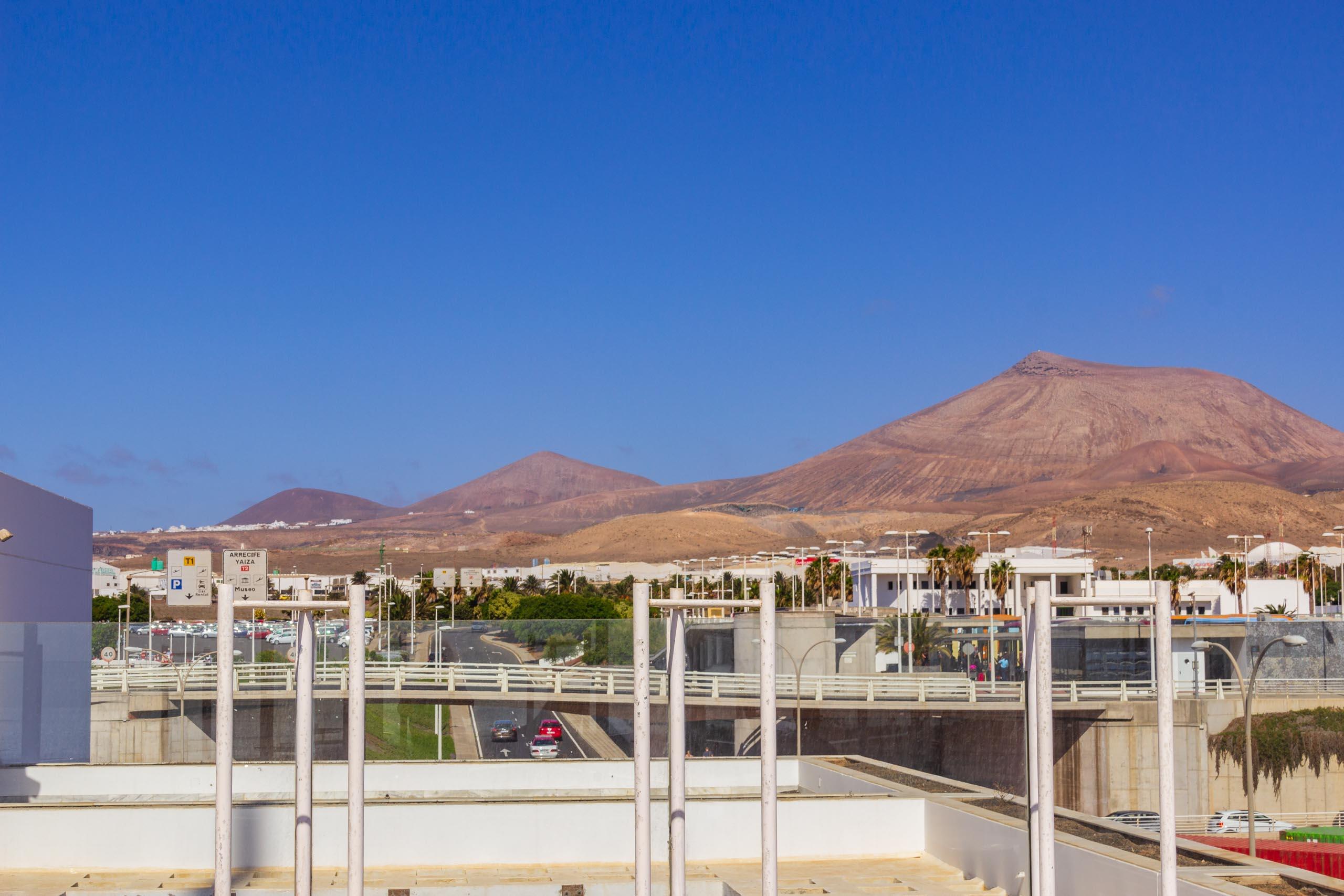 2016 09 Lanzarote Airport 001