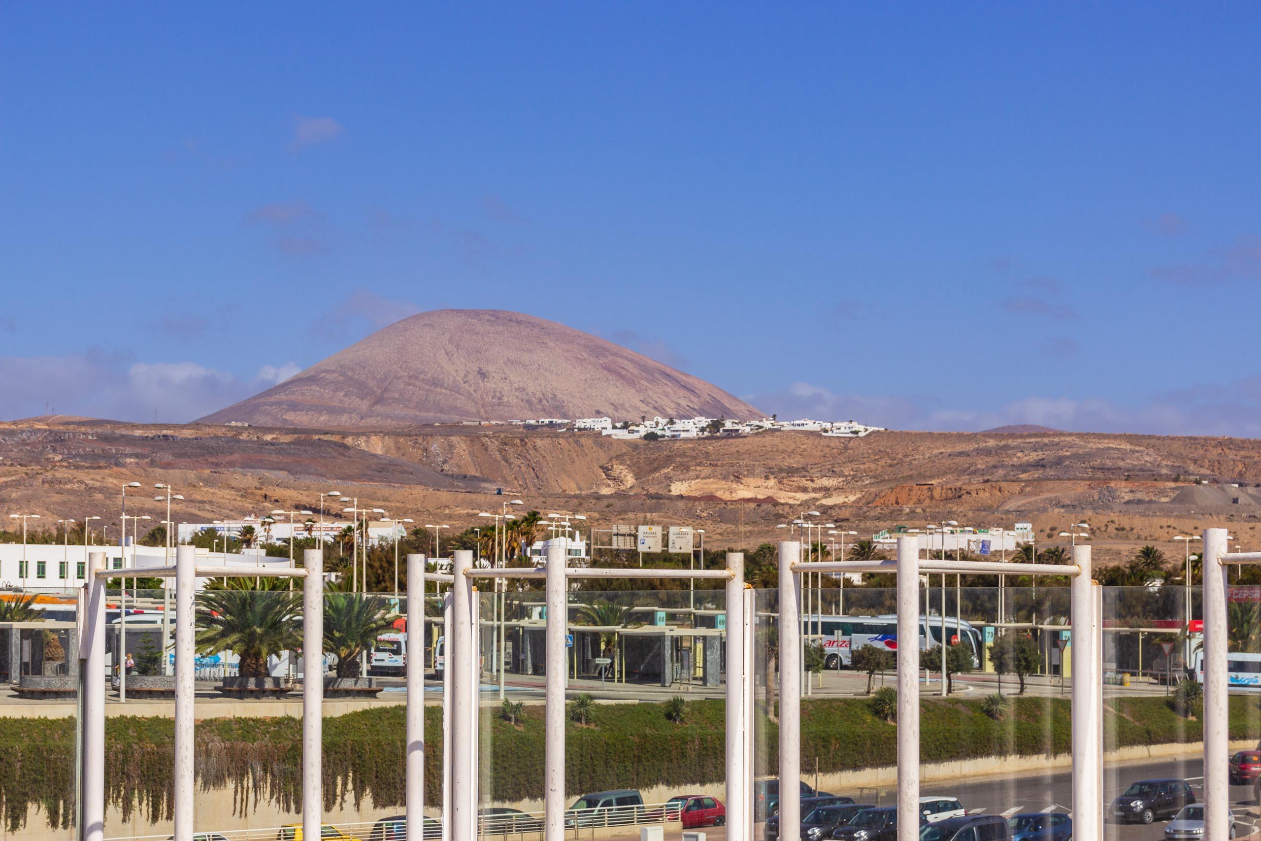 2016 09 Lanzarote Airport 003