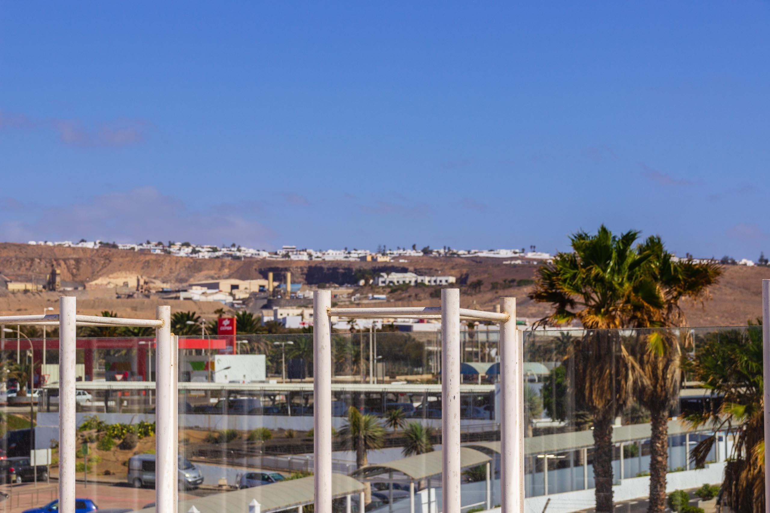 2016 09 Lanzarote Airport 004