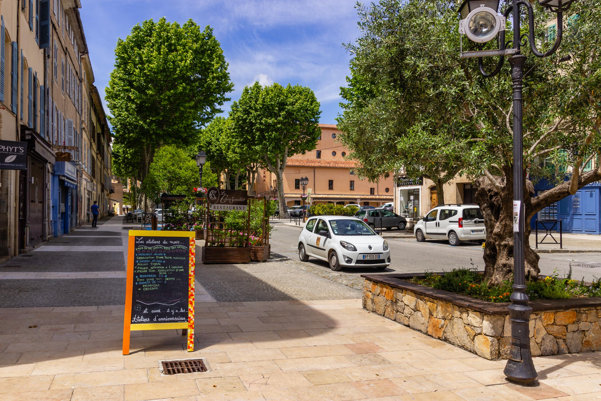 2018 05 Provence Lourgues 002