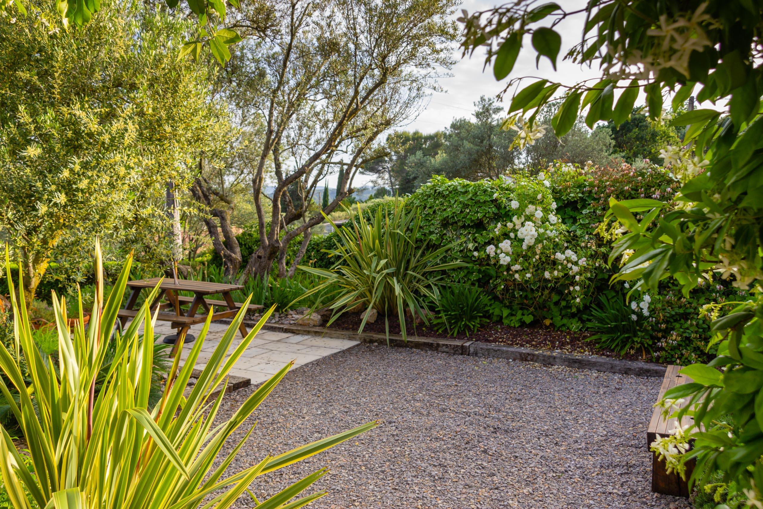 2018 05 Provence Garden 1 001
