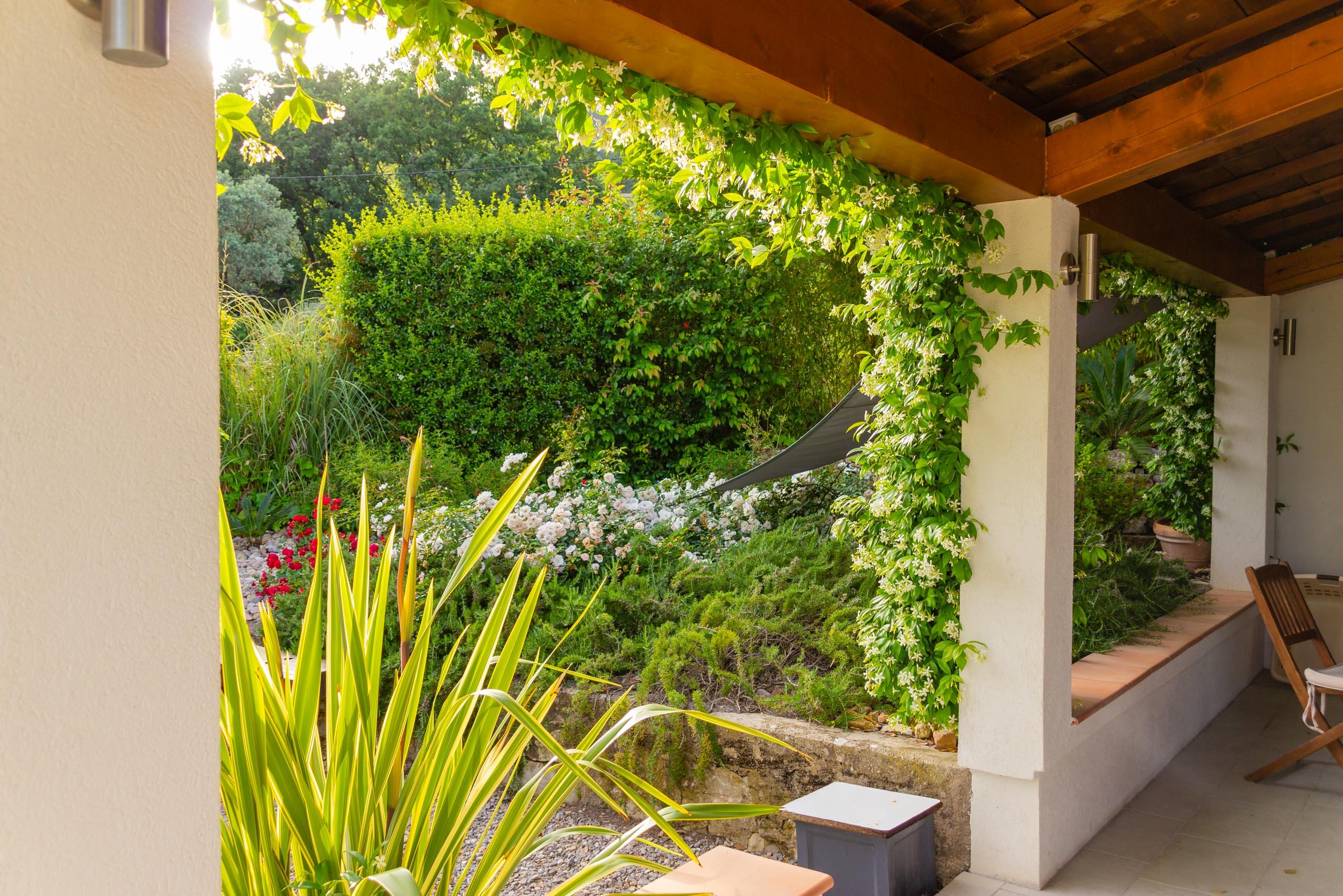 2018 05 Provence Garden 1 002