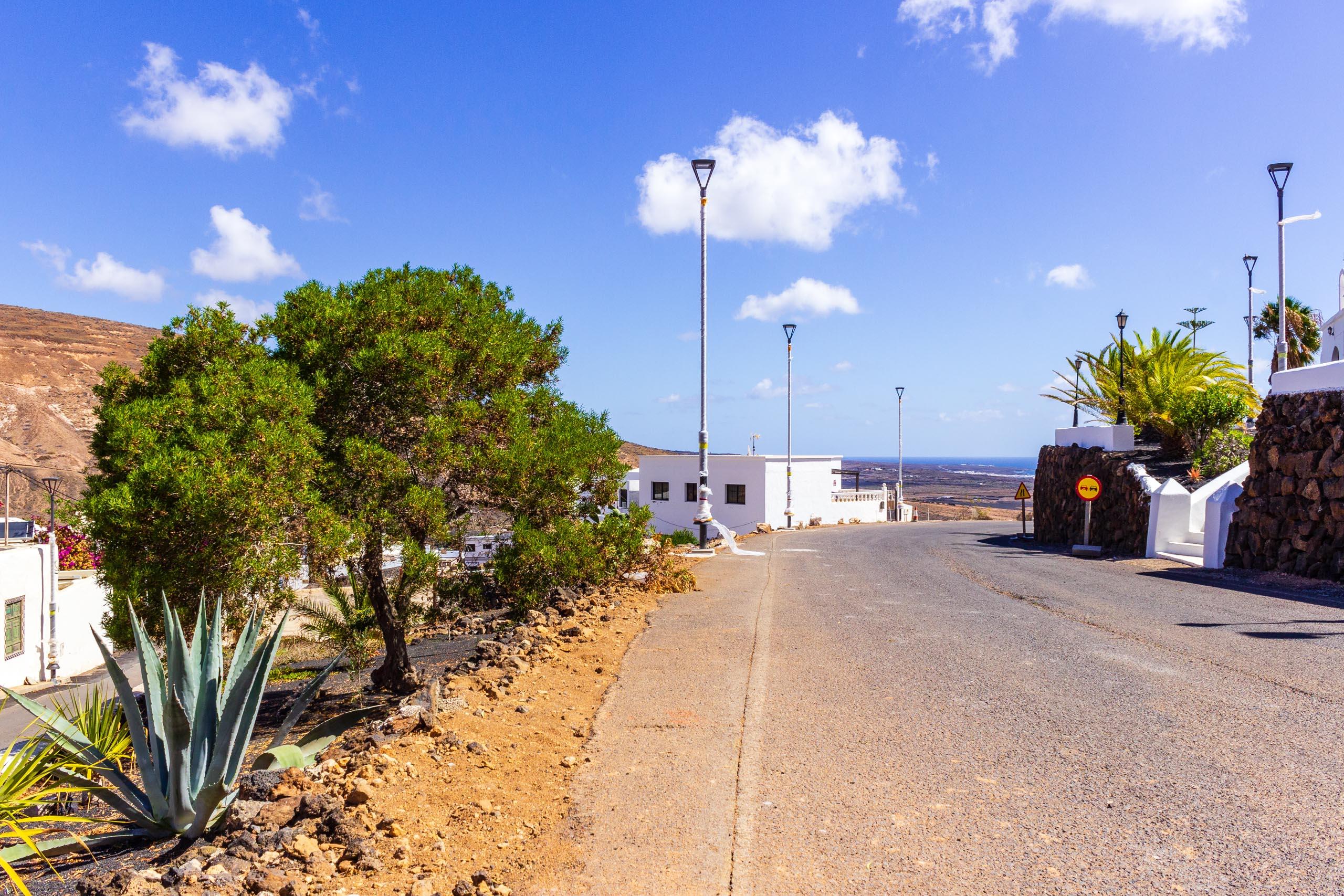 2018 08 Lanzarote AWalkRoundTabayesco 1 003