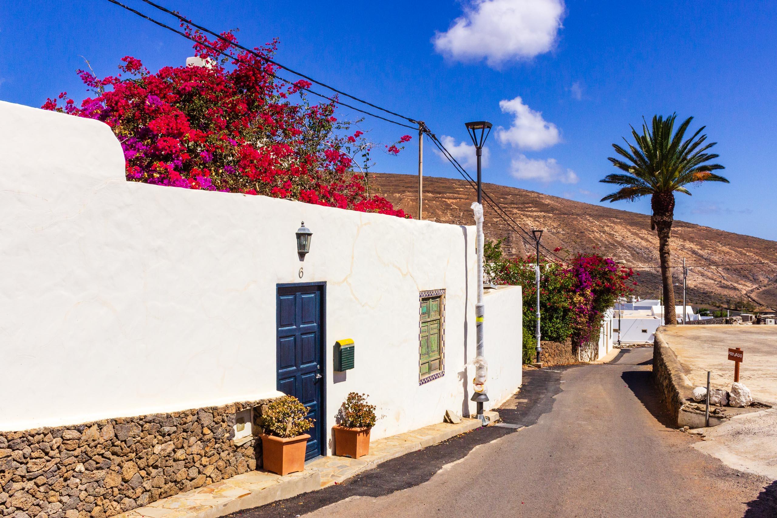 2018 08 Lanzarote AWalkRoundTabayesco 1 004